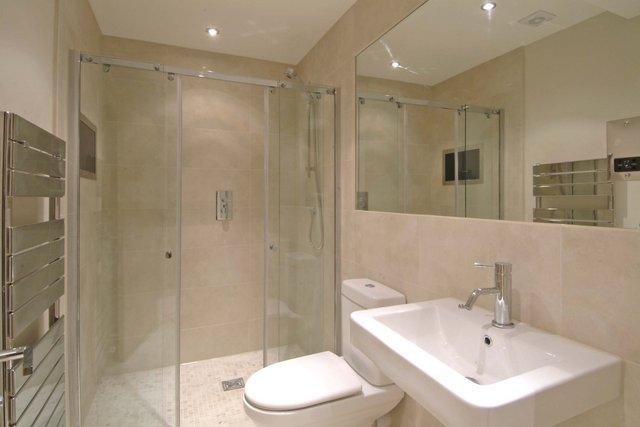 Reformas Rober es una empresa especialista en el cambio de bañera por ducha en Donostia-San Sebastián
